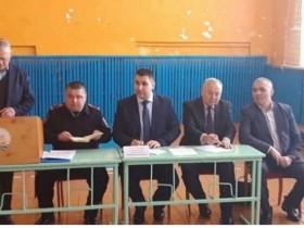 30 января 2019 года в Бакаевском сельском поселении в здании МБОУ СОШ состоялась встреча с главой администрации Кушнаренковского района -Гизатуллиным Русланом Ринатовичем.На данной встрече присутствовали: